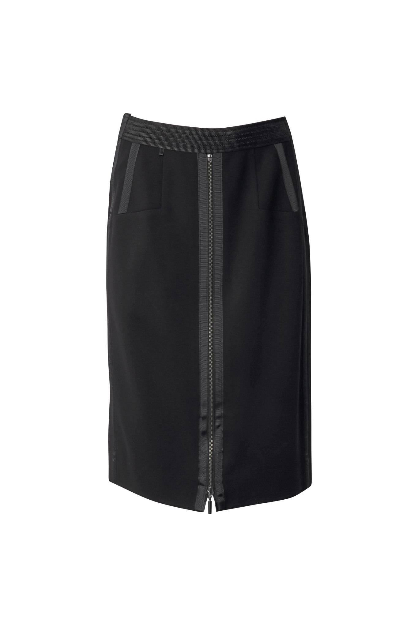 645 Jumitex czarna sportowa spodnica przod