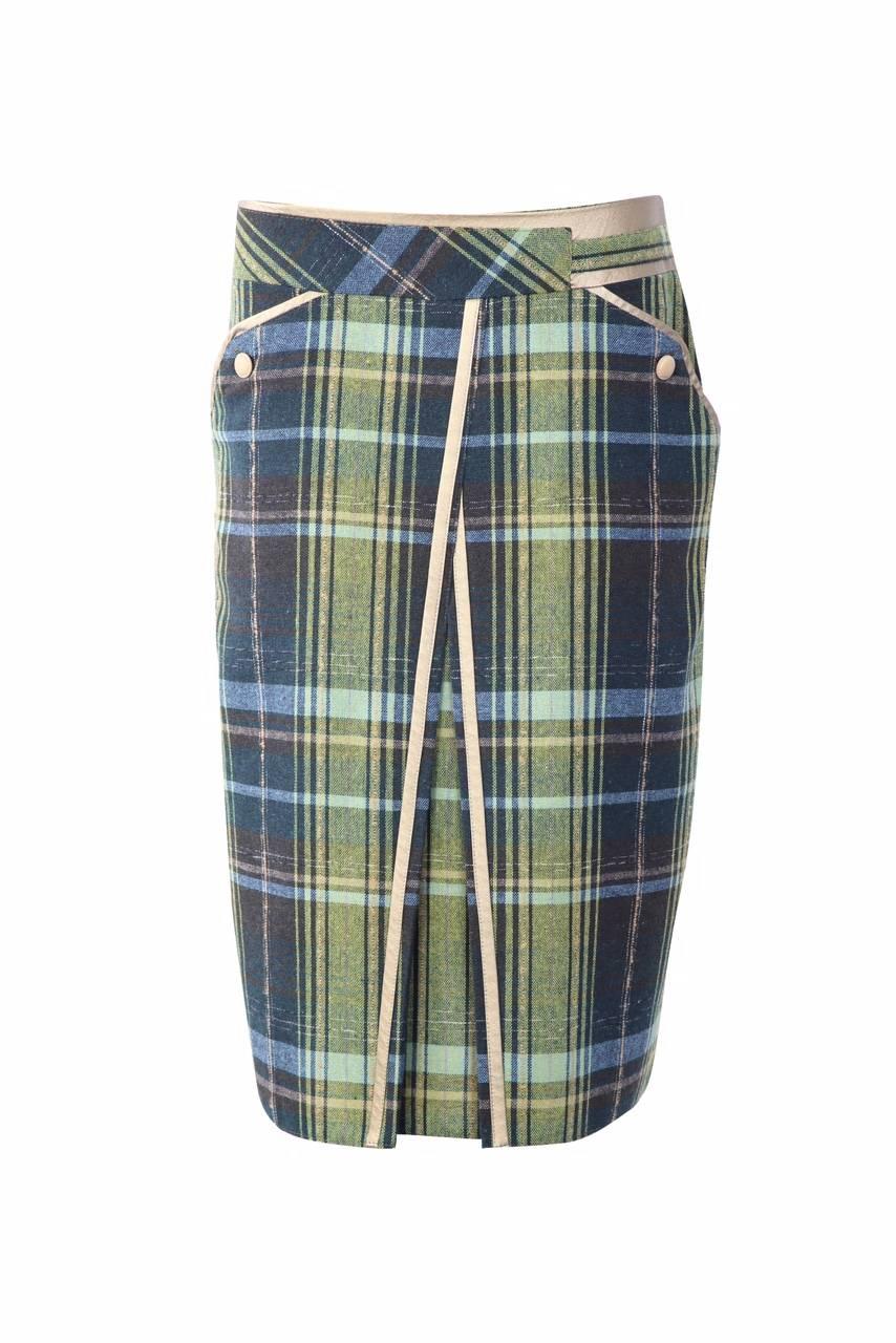 793 Jumitex spodnica z kontrafalka w zielona krate przod
