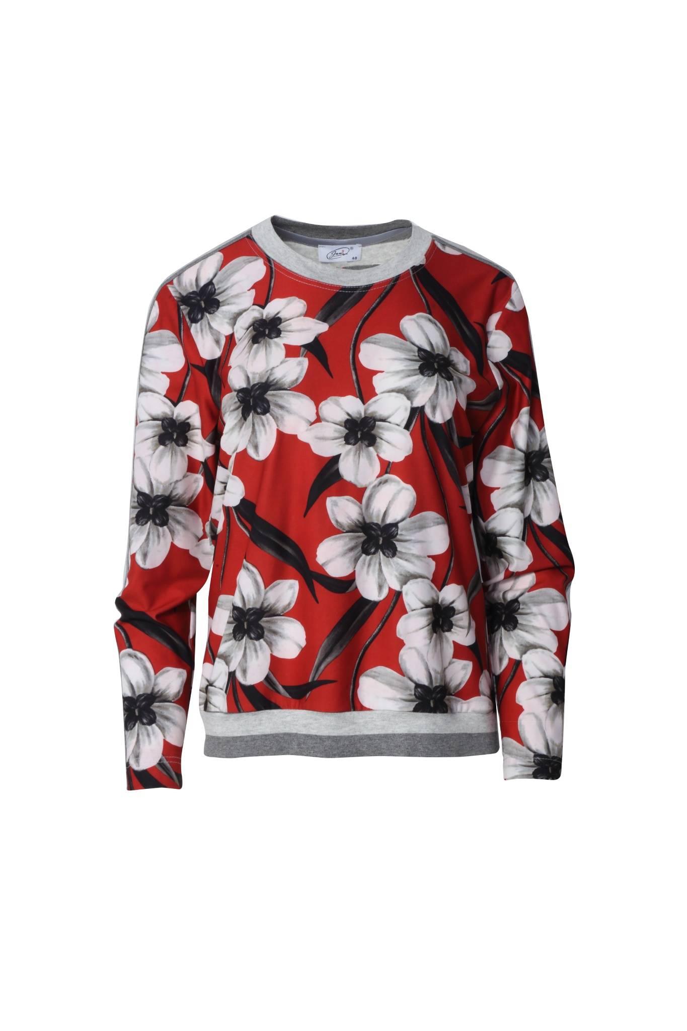 1301 Jumitex czerwona bluza wkladana przez glowe przod