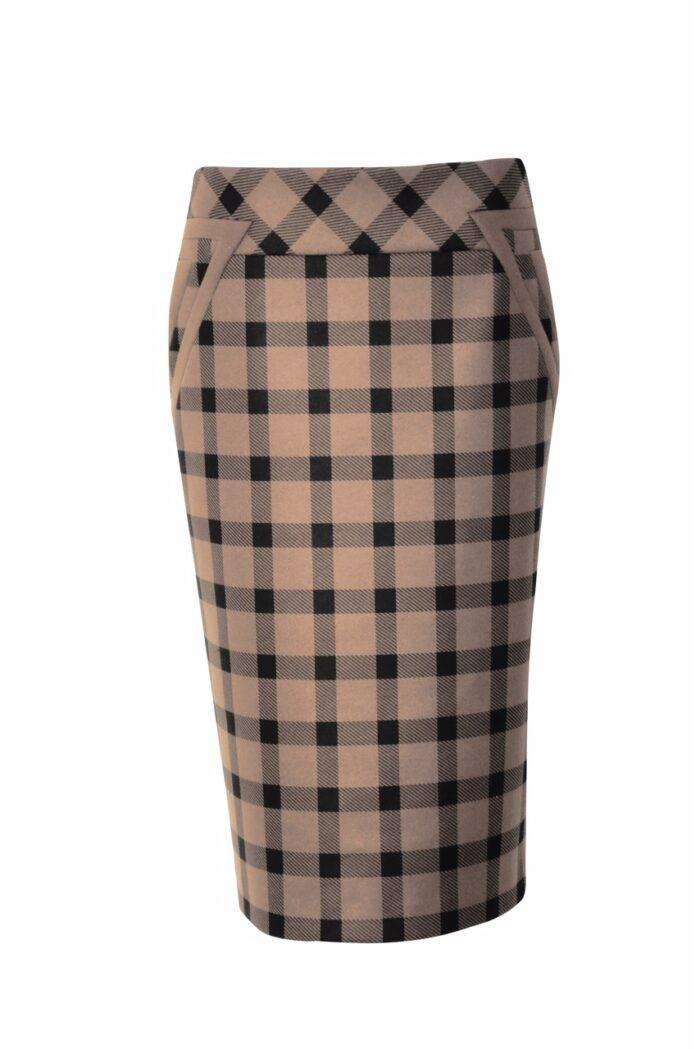 beżowa spódnica w kratę firmy Jumitex